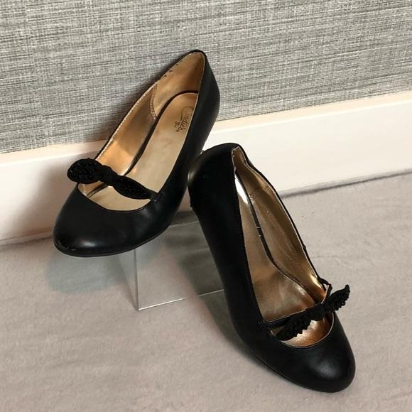 96189d62a0db6 Candies Girls size 5 Dress Shoes